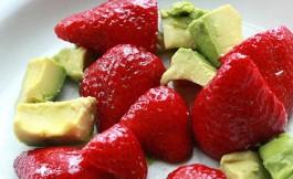 Ensalada de aguacate y fresa – Receta