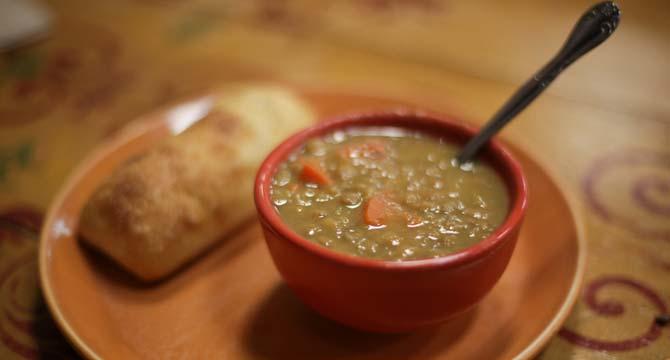 sopa de lenteja griego