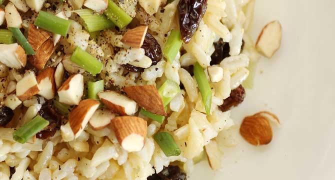 arroz con verdura y almendra
