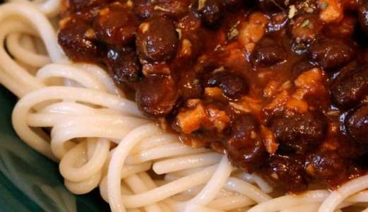 Fiesta de spaghetti y Frijoles Negros